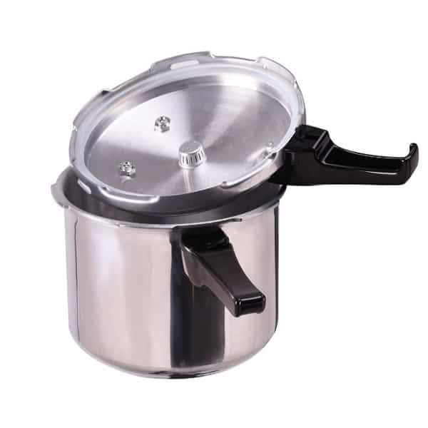 Giantex 6-Quart Pressure Cooker Is A Real Kitchen Workhorse 2
