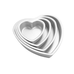 This is a shot of the stacked heat shaped tins in the Agile-Shop 4-piece Aluminium Heart Shaped Cake Pan set.