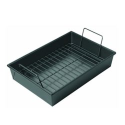 It's a simple and solid image of a simple and solid The Chicago Metallic Professional Roast Pan.