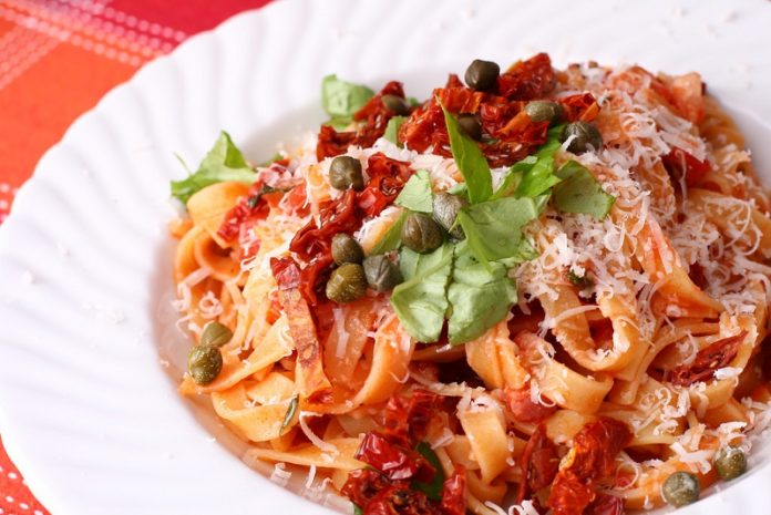 A plate of delicious looking pasta.