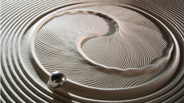 This is an image of the surface of the Sisyphus Kinetic Art Coffee Table. It's an incredible invention.