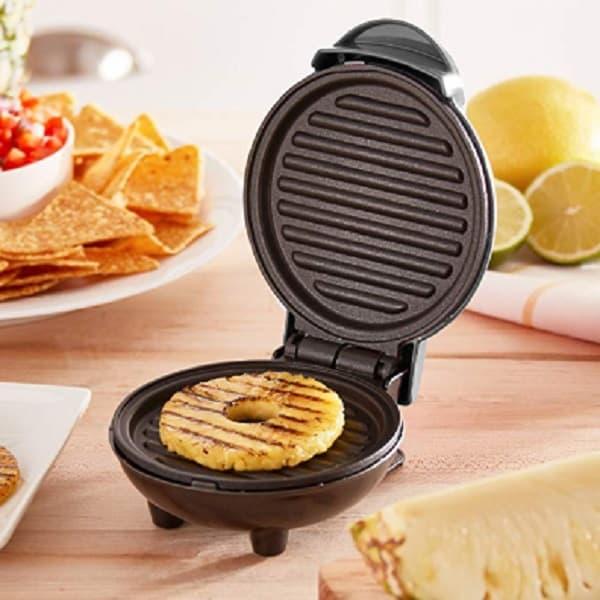 Dash Mini Sandwich Maker Grill – An Unusual Shape For Sandwiches 2