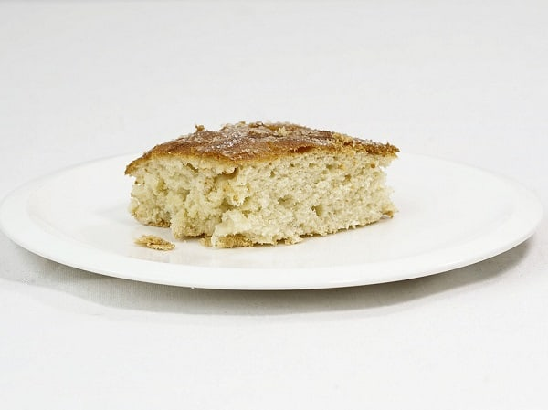 a plate of butter cake