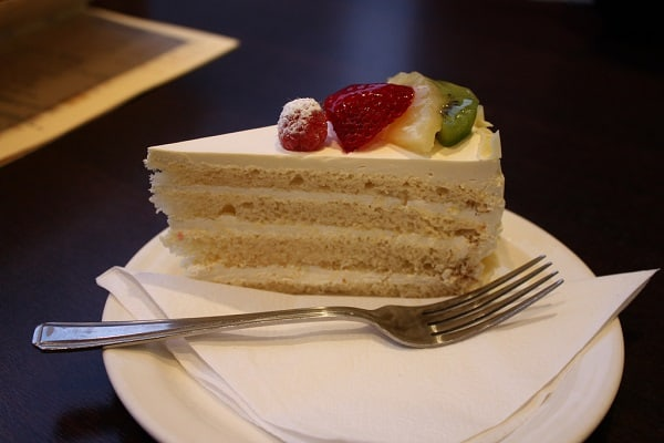 Moist Vanilla Cake: Dessert Of The Day 2