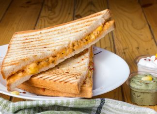 grilled cheese is what to eat with grilled cheese